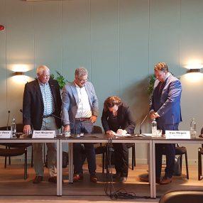 Saskia ondertekent het coalitieakkoord